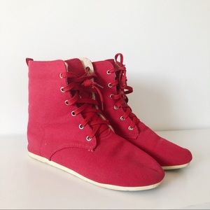 Toms red laced boots one for one